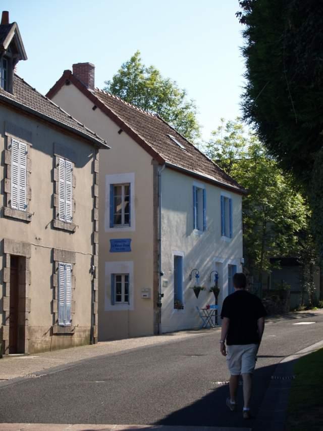 La maison bleue chambre d 39 h te lapeyrouse puy de dome 63 for Chambre d hote puy de dome