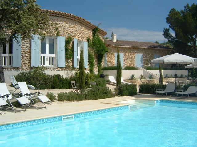 Chambres d 39 hotes b b la fontaine au loup saint for Chambres d hotes vaison la romaine avec piscine