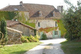 La bastide des tr mi res chambre d 39 h te st antoine de for Esterno di case di campagna francesi