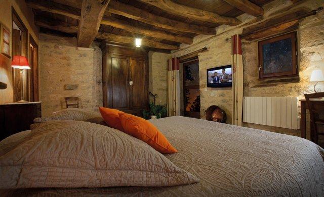 chambres et jardin de pierres chambre d 39 h te esp daillac lot 46. Black Bedroom Furniture Sets. Home Design Ideas