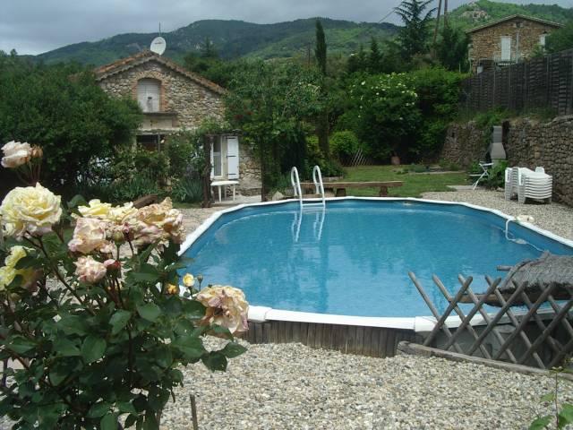 Gite la filandiere piscine privative riviere acc s for Protege piscine