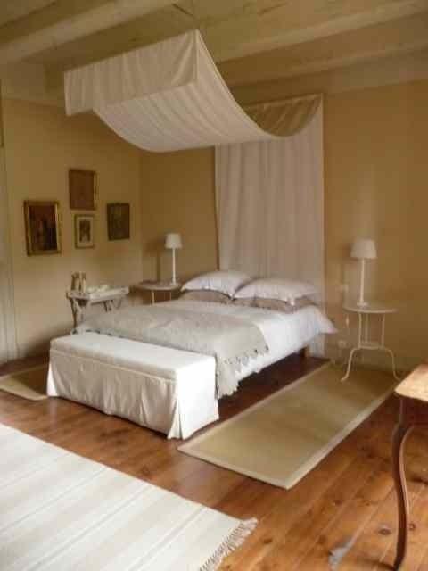chateau de bessonies chambre d 39 h te bessonies lot 46. Black Bedroom Furniture Sets. Home Design Ideas
