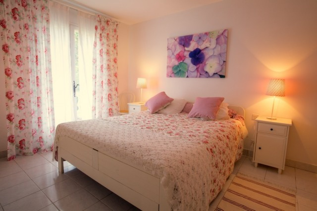 Chez helene chambre d 39 h te grimaud var 83 for Chambre hote var