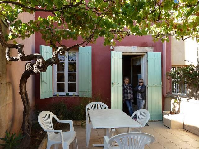 Maison de charme la burli re maison villa roussillon for Vive le jardin salon de provence
