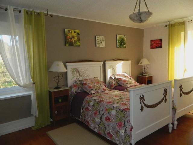 au jardin fleuri chambre d 39 h te la campagne glay doubs 25. Black Bedroom Furniture Sets. Home Design Ideas