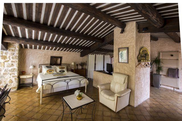 La ferme chambre d 39 h te saint marc jaumegarde bouches - Chambre d hote bouches du rhone ...