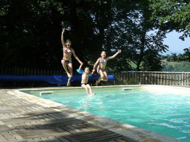Les hauts p turages g tes de montagne avec piscine dans for Camping haute pyrenees avec piscine