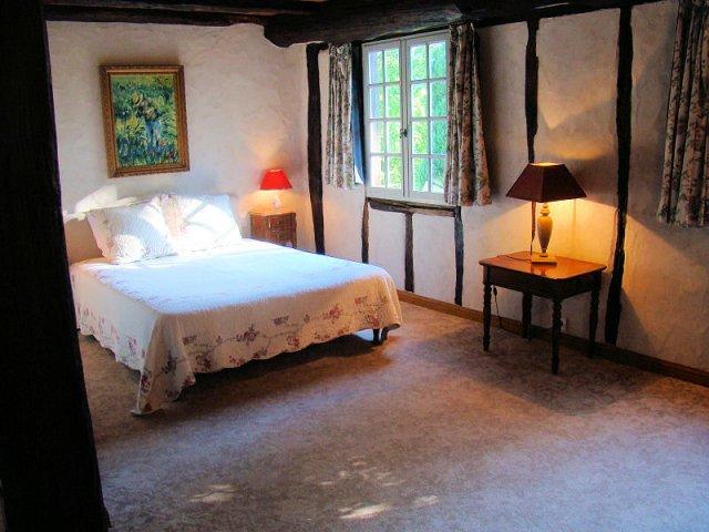 Chambres d 39 h tes uxondoa saint p e sur nivelle pyrenees for Saint pee sur nivelle chambre d hotes