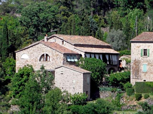Dans une grande maison du sud de la france ard che for Acheter une maison dans le sud ouest de la france