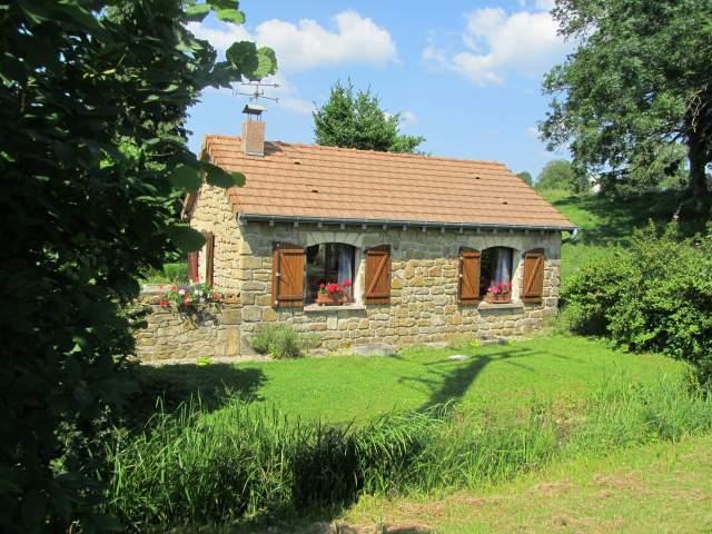 La petite maison petite maison individuelle warnecourt for Decoration des petites maisons