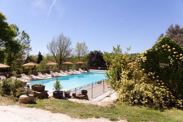 Calme repos piscine chauff e nature sarlat dordogne 24 for Piscine bois chauffee