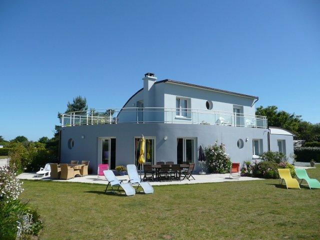 Villa ma tena station baln aire de plouescat bord de for Maison moderne finistere