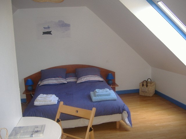gites et chambres d 39 hotes chambre d 39 h te paimpol cotes. Black Bedroom Furniture Sets. Home Design Ideas