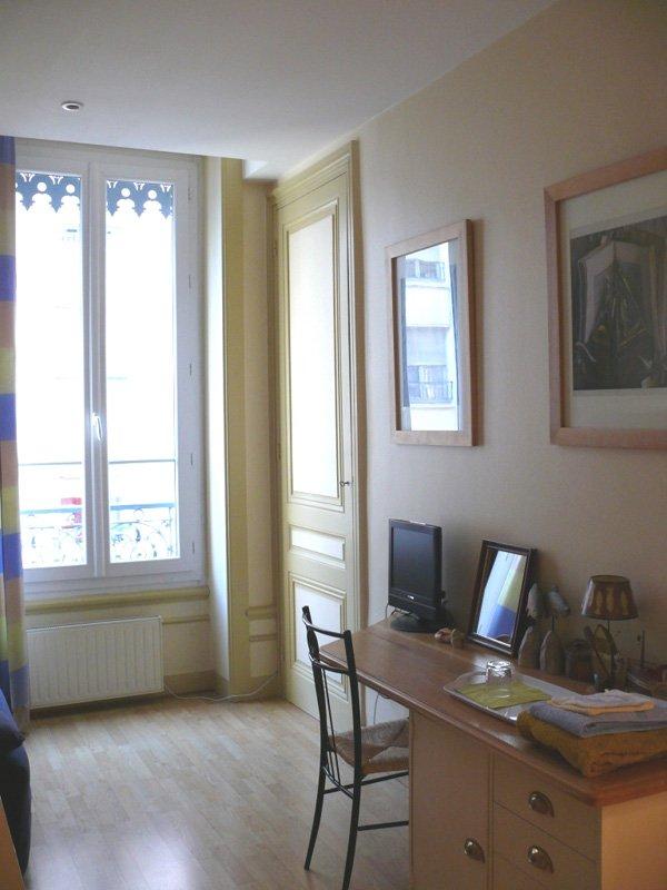 lyon sweet home chambre d 39 h te lyon rhone 69. Black Bedroom Furniture Sets. Home Design Ideas