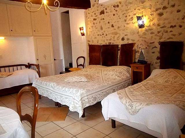 Chambres et table d 39 h tes le moulin de lavon chambre d - Chambre et table d hote luberon ...