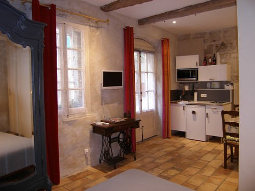 la dordine chambre d 39 h te p zenas herault 34. Black Bedroom Furniture Sets. Home Design Ideas