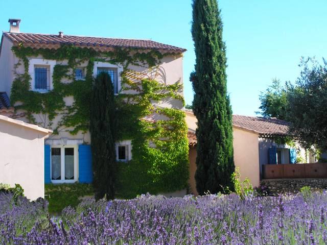 Le clos des lavandes chambres d 39 h tes de charme en provence luberon avec terrasses priv es - Chambre d hote de charme provence ...