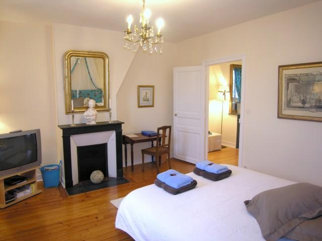 villa trianon chambres d 39 h tes de luxe versailles chambre d 39 h te versailles le chesnay. Black Bedroom Furniture Sets. Home Design Ideas