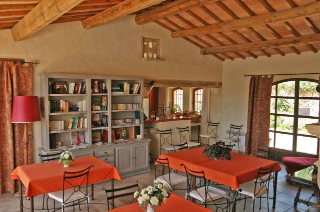 Le mas de belle combe chambre d 39 h te gordes vaucluse 84 - Chambre d hote de charme vaucluse ...