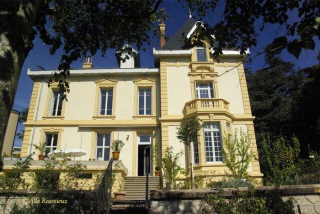 Villa roassieux chambre d 39 h te saint etienne loire 42 for Maison hote loire