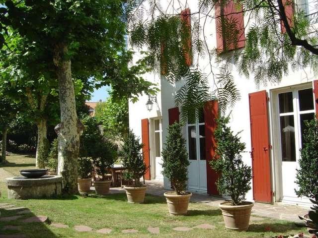 chambre d 39 hotes de charmes a biarritz pres de la mer chambre d 39 h te biarritz pyrenees. Black Bedroom Furniture Sets. Home Design Ideas