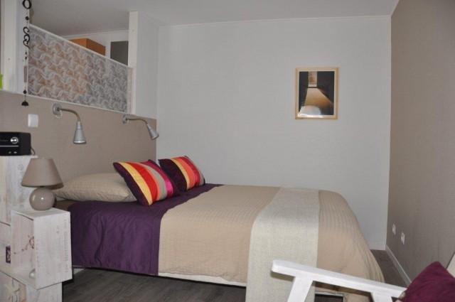 entre cour et jardin lille lesquin 3 chambres d 39 h tes de charme lesquin lille nord 59. Black Bedroom Furniture Sets. Home Design Ideas
