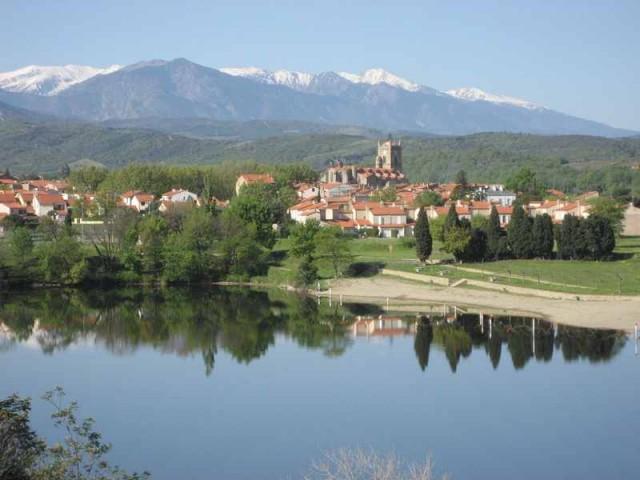 Las tanes chambre d 39 h te vinca pyrenees orientales 66 for Chambre d hotes pyrenees orientales