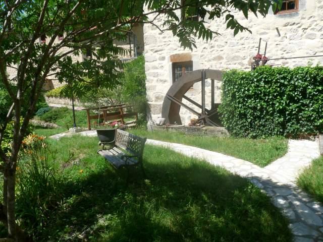 Moulin de la planche ferrand chambre d 39 h te puy for Chambre hote puy de dome
